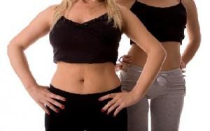 Exercices pour perdre les poign es d amour les exercices - Amour entre femme et homme dans le lit ...